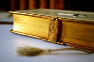 book-92571_1920